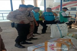 Satpolair Polres Bangka Barat perketat pengawasan barang penumpang kapal