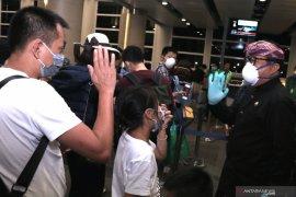 Wagub lepas penumpang penerbangan terakhir ke China