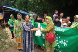 Muslimat NU Banten bantu korban banjir bandang dan longsor