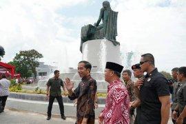 Presiden Joko Widodo resmikan monumen Fatmawati di Bengkulu