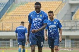 Persib tentukan nasib kontrak Geoffrey dan Wander Luiz akhir pekan ini