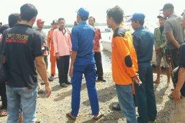 Anak 8 tahun jatuh di pelabuhan penyeberangan Teluk Batang