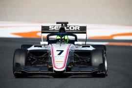 Putra Ralf Schumacher turun satu musim penuh di F3