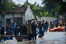 Swafoto di banjir Jombang