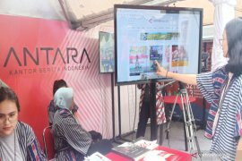 Booth ANTARA diramaikan lomba presenter TV