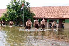 BPBD Sidoarjo upayakan penyedotan banjir di Desa Banjarasri