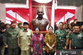 Megawati dan Prabowo turut hadiri peresmian Patung Soekarno di Akademi Militer