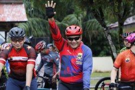 Kapolda Sumut bersepeda dari Binjai menuju Sinabung
