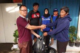 Dinsos Kota Cirebon distribusikan makanan kepada warga terdampak banjir