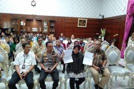 Wali Kota Surabaya resmi cabut laporan terhadap penghinanya