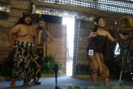 """Siswa SMP ikuti """"satua banyol"""" lestarikan Bahasa Bali"""