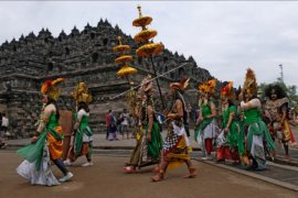 Tradisi ruwat rawat Borobudur