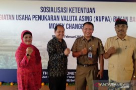 """APVA Bali temukan indikasi """"money changer"""" ilegal pindah dari Kuta ke Ubud"""
