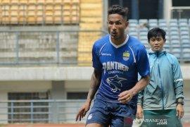 Penyerang Persib Bandung Wander Luiz Wander Luiz pimpin top skor sementara Liga 1
