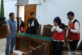 Beberapa upaya Aulia Kesuma bunuh suami dan anaknya diawali dengan santet