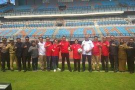 Ketua Umum PSSI tinjau Stadion GBT untuk kesiapan Piala Dunia U-20