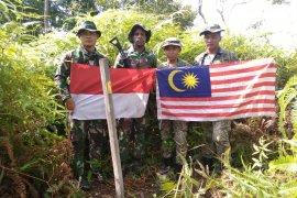 Tentara Indonesia - Malaysia patroli bersama di perbatasan