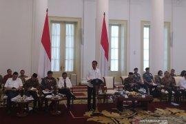 Para menteri ikuti protokol ketat di rapat kabinet  perdana dengan tatap muka