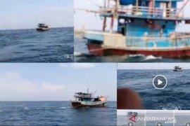 Facebooker unggah vidio pukat trawl beroperasi di Selat Malaka