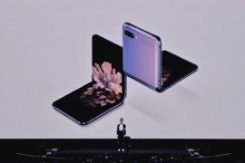 """Samsung rilis ponsel layar lipat """"clamshell"""" Galaxy Z Flip"""