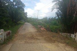 Pemkab Landak respon cepat laporan warga terkait jalan rusak
