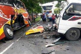 Sugeng Rahayu vs truk, satu tewas