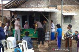 Digigit ular weling, balita di Cirebon meninggal