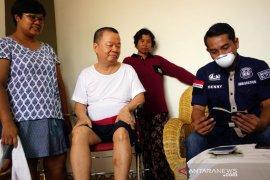 Timpora Imigrasi  Blitar kunjungi sejumlah WNA untuk antisipasi corona