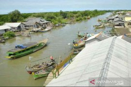 Nelayan Muaragembong Bekasi minta dibangunkan SPBU