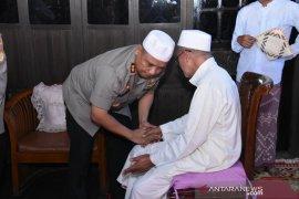 Kapolda Kalsel mohon doa Guru Danau untuk kelancaran tugas