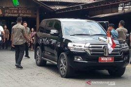 Jokowi santap ikan betutu kukus di Sleman