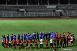 Sepak bola Indonesia (tetap) tenang, meski corona datang