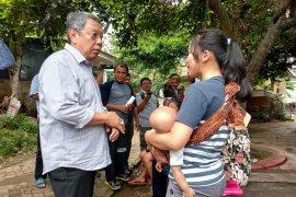 Benyamin Davnie tinjau warga kasus cikungunya