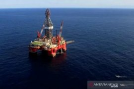 Harga minyak melonjak seiring pengurangan kuota produksi global
