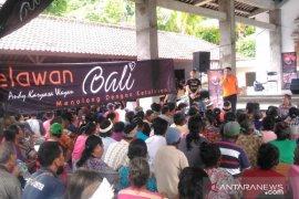Dinas Sosial Bali bagikan sembako Galungan ke lansia di Karangasem