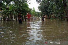 Kerusakan pintu air Sungai Cisanggarung sebabkan banjir di Kabupaten Cirebon