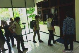 Geledah kantor DPRD Tulungagung, penyidik KPK sita sejumlah dokumen
