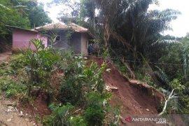 Seorang tewas akibat bencana tanah longsor di selatan Garut