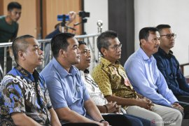 Enam Anggota DPRD Muara Enim Menjadi Saksi Korupsi Page 1 Small