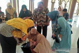 Ketua PKK Aceh Timur ajak orang tua rutin bawa balita ke Posyandu