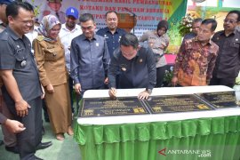 Bupati Bekasi resmikan resmikab bh pembangunan Kotaku dan Berseka
