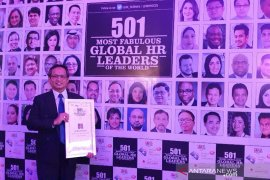 Mantan Direktur Antara Meraih Global HR Leaders Award