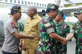 Panglima TNI bersama Kapolri menggelar rapat tertutup di Mimika