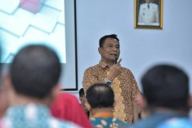 78 pensiunan guru terima apresiasi dari Dinas Pendidikan Surabaya