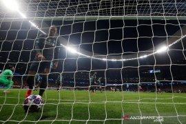 Bek Liverpool: Gol Atletico sarat keberuntungan dan bukan peluang