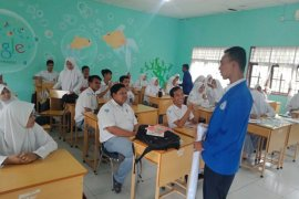 Mahasiswa ajak kawula muda Aceh Utara cerdas gunakan medsos