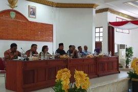 DPRD: dua isteri pejabat di Kepulauan Aru nikmati bantuan dana bergulir