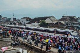 PT KAI rencanakan kereta api rute Cibatu-Garut beroperasi awal 2021