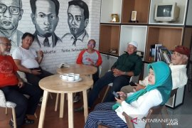 LKBN Antara Kalsel hidupkan media center, melalui dialog ruang hampa