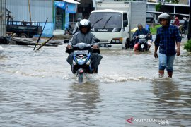 Banjir Makassar Page 1 Small